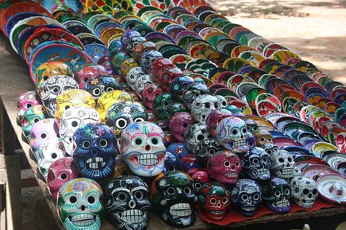 skulls at chichen itza