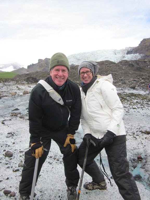 Svínafellsjökull glacier pose